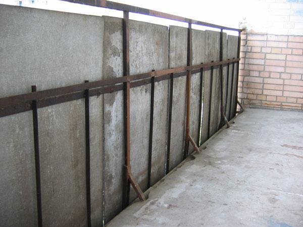 Какие материалы лучше использывать при отделке балконов и ло.